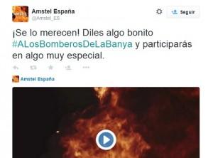 Tuit de arranque de la campaña de Amstel de homenaje a los bomberos de Alicante.